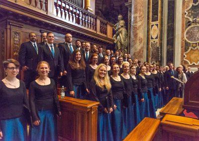 choir-standing